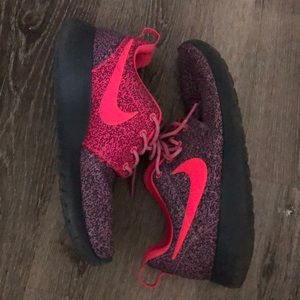 Nike roshe sneakers. bright pink and purple size 6